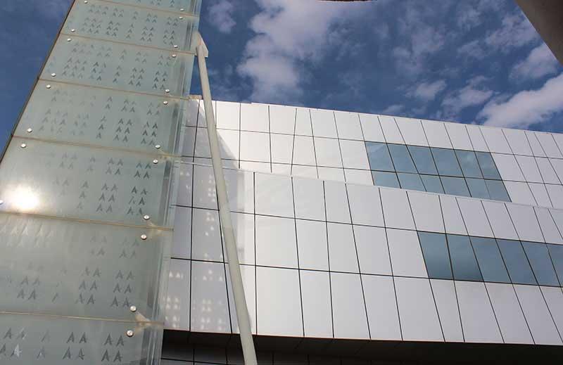 نمای ساختمان اجرا شده با کامپوزیت
