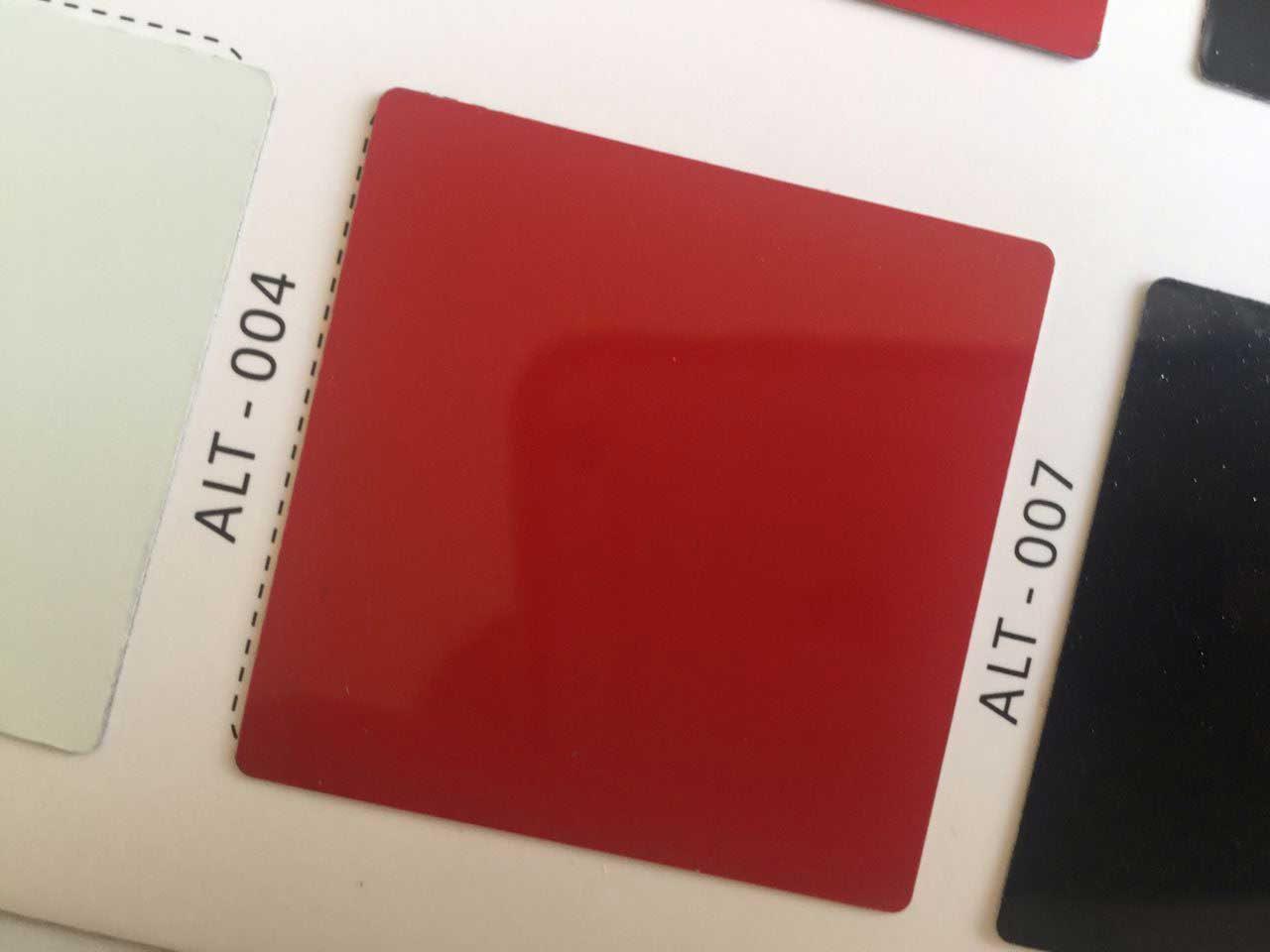 رنگ قرمز از ورق کامپوزیت کالر چارت آلوتک